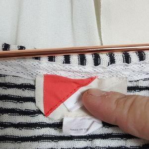 Paper locket black white stripe Rouched sleeve tee